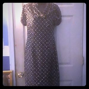 Short sleeve body hugging women's dress